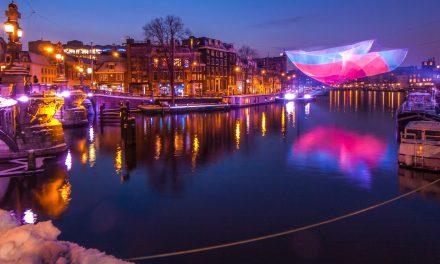 Amsterdam Light Festivaltocht roeien