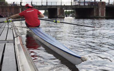 Leren skiffen doe je bij Roeicentrum Berlagebrug